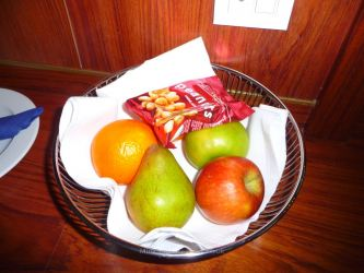 Commodore De Luxe fruit bowl