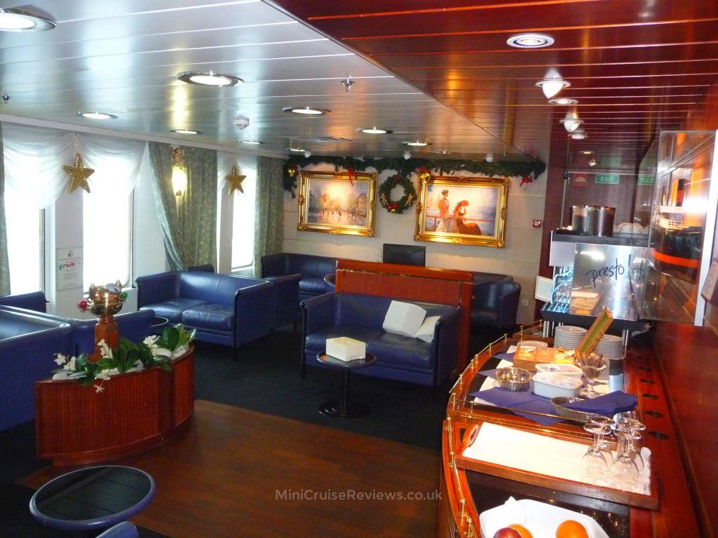 Commodore De Luxe Lounge