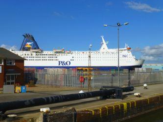 Pride of Bruges docked in Hull